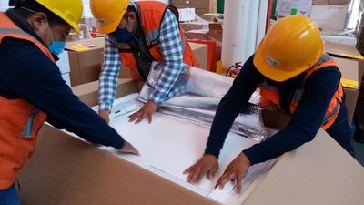 BIRMEX packing polio vaccine in cold-shipping boxes for transport by Direct Relief to Nicaragua. (Photo: BIRMEX)