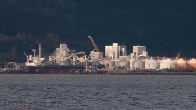 Rio Tinto smelting plant in Kitimat, British Columbia. (CNW Group/Unifor)